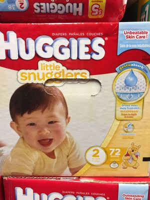 Huggies little snugglers size 2- 72 count for Sale in Bloomfield, CT