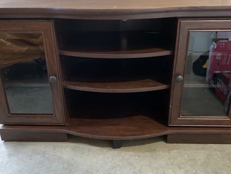 Free TV Entertainment Center for Sale in Lake Stevens,  WA