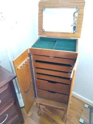Jewelry box standing for Sale in Norfolk, VA