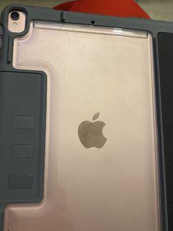 iPad Pro 10.5 Inch Verizon 256 Gig Used for Sale in Brooklyn,  NY
