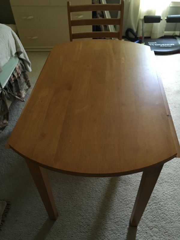 Round small kitchen table
