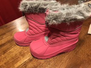 Kids Girl Snow Boots Size 1 (not toddler) for Sale in Chula Vista, CA