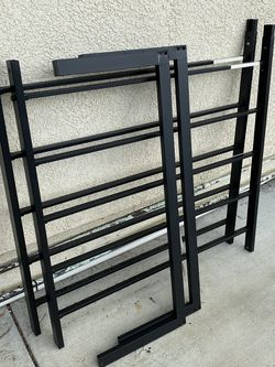 Twin Bed Frame (metal frame only) for Sale in Garden Grove,  CA