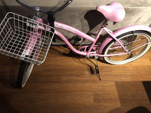 Pink cruiser bike for Sale in Seattle, WA