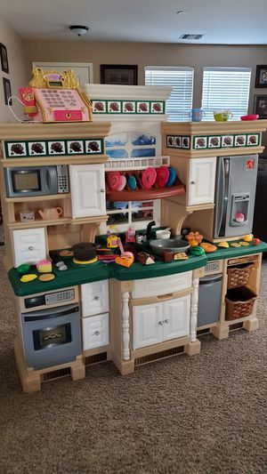 Step 2 play kitchen for Sale in Phoenix, AZ