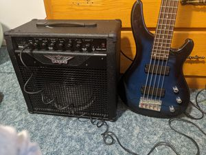 Bass guitar 5 string amplifier and Fender case for Sale in Wisconsin Dells, WI