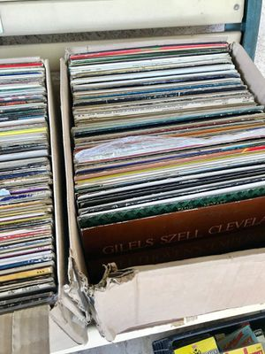 Lot of Records for Sale in Hesperia, CA