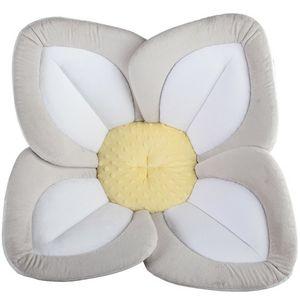 Blooming Baby Lotus Bath pad & Huggies Newborn diapers 31pk for Sale in San Diego, CA