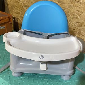 Safety 1st Easy Care Feeding Booster for Sale in Cayce, SC