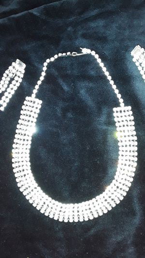 Beautiful rhinestone of vintage necklace and earrings for Sale in Phoenix, AZ