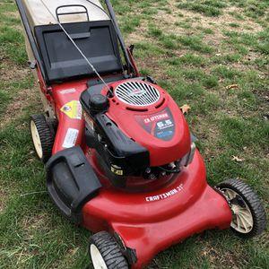 """Craftsman Briggs 21"""" 6.5HP Self Propelled Mower for Sale in West Hartford, CT"""