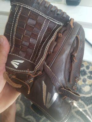 """Easton 12"""" pfp 1200 softball glove for Sale in Pico Rivera, CA"""