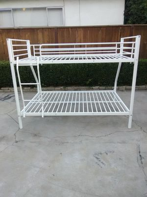 Nice white bunk bed for Sale in Fresno, CA