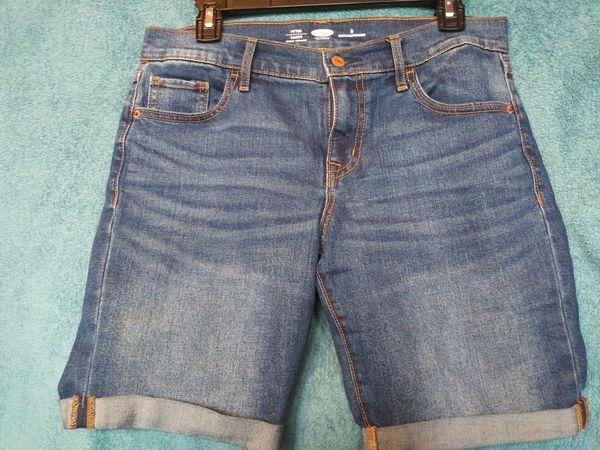 Old Navy Mid-Rise Cuffed Bermuda Slim Shorts