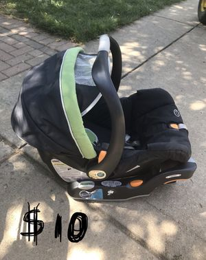 Chicco KeyFit 30 car seat and base for Sale in Lemont, IL