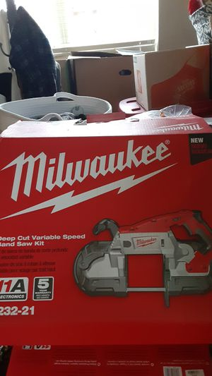 Milwaukee deep cut variable speed band saw kit(6232-21) 11 amps for Sale in Copperas Cove, TX