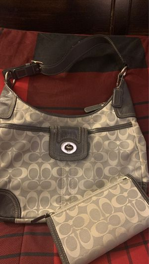 Coach purse with matching wallet for Sale in Concord, CA