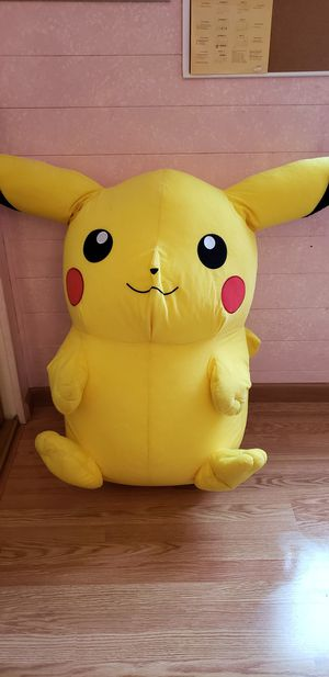 Large Pikachu stuffed animal for Sale in Milpitas, CA