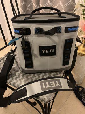 YETI Hopper Flip 8 Cooler *brand new* for Sale in Orlando, FL