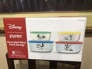Pyrex Food Storage Containers - Star Wars Mickey and Baby Yoda for Sale in San Diego, CA