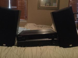 Pioneer receiver , 2 speakers and wire for Sale in Madera, CA