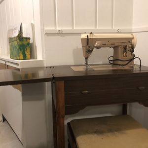 Desk With Internal Singer Sewing Machine for Sale in Washington, DC
