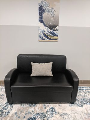 Small Black Couch + Pull-out Sleeper (Great Condition!) for Sale in Chicago, IL