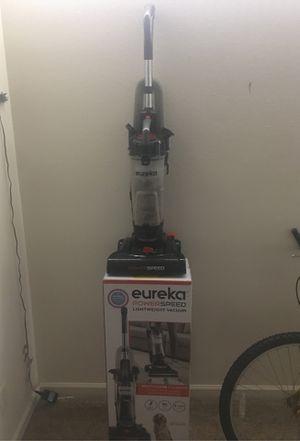 Eureka powerspeed lightweight vacuum for Sale in Aurora, IL