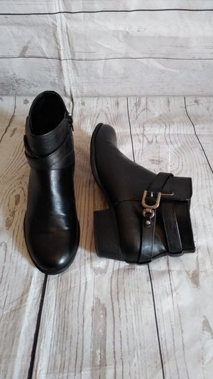 Beautiful Unisa boots , women's size 8.5 ( excellent condition ) for Sale in Frederick, MD