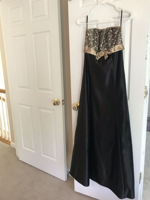 Black/gold formal gown