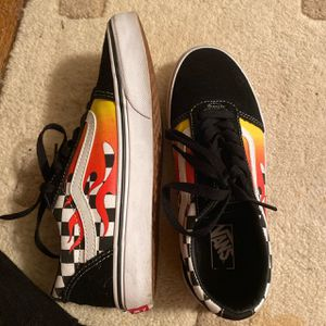 Flame Vans Size 4 for Sale in Silver Spring, MD