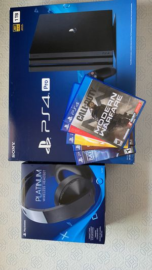 PS4 1 TB Bundle with Sony Headphones and games for Sale in El Cajon, CA