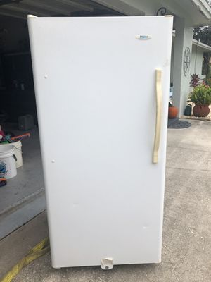 Haier upright deep freezer for Sale in FL, US