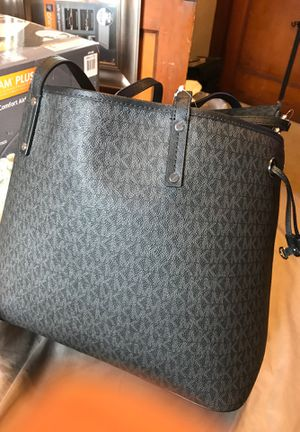 Michael kors tote bag for Sale in Pittsburgh, PA