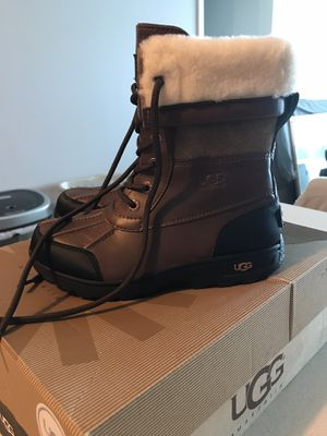 UGG kids boots, size 2 for Sale in Miami Beach, FL