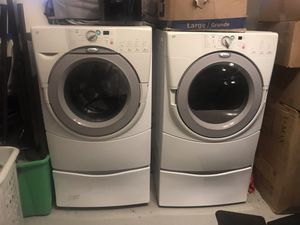 Whirlpool washer and dryer (Laundry machines) for Sale in Manassas, VA