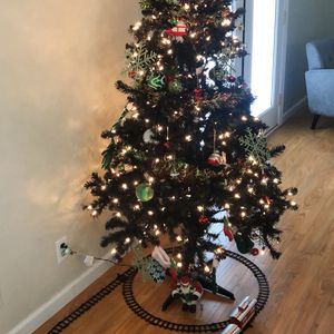 X Mas Tree Pre Tilt Lights 6ft for Sale in San Jose, CA