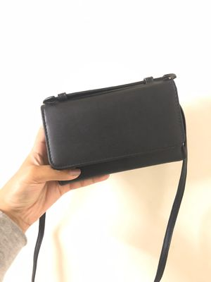 URBAN OUTFITTERS WALLET for Sale in Anaheim, CA