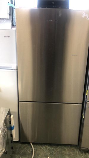 31by68 NEW OPEN BOX FISHER AND PAYKEL BOTTOM FREEZER AND TOP FRIDGE WITH ONE YEAR WARRANTY for Sale in Woodbridge, VA