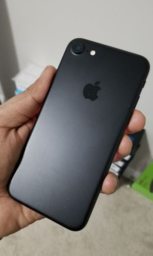 iPhone 7, Factory Unlocked.. Excellent Condition. for Sale in Springfield, VA