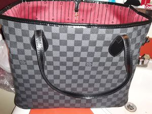 Beautiful bag I'm located @ 35 ave northern for Sale in Glendale, AZ