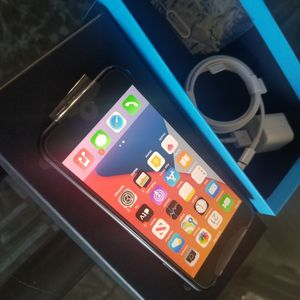 iPhone 7 Black Color for Sale in Fontana, CA