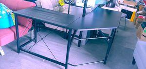 Corner desk black metal and wood $79.99 for Sale in Phoenix, AZ