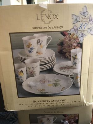 Lenox - Butterfly Meadow 18 piece set (15th Anniversary) for Sale in Altadena, CA