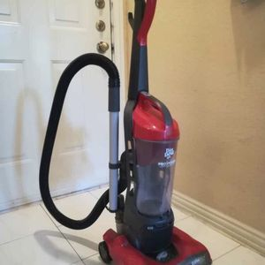 Pro Power Cyclonic Upright Vacuum for Sale in Houston, TX