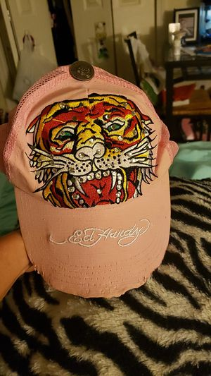 Pink ed hardy hat for Sale in Waterbury, CT