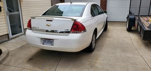 09 chevy impala 3500 for Sale in Akron, OH