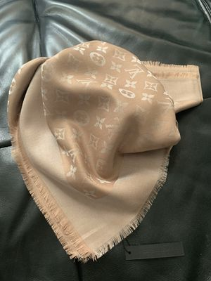 Auth Louis Vuitton scarf 140/140 for Sale in Dania Beach, FL