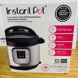 Instant pot 6 quart for Sale in Hudson, NC