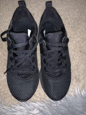 Size 8 women's Nike Legend React shoes for Sale in Jurupa Valley, CA